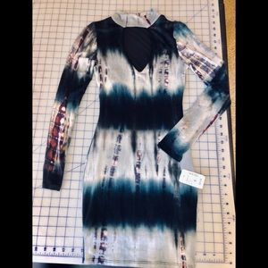 Tie-dye bodycon dress with keyhole in front